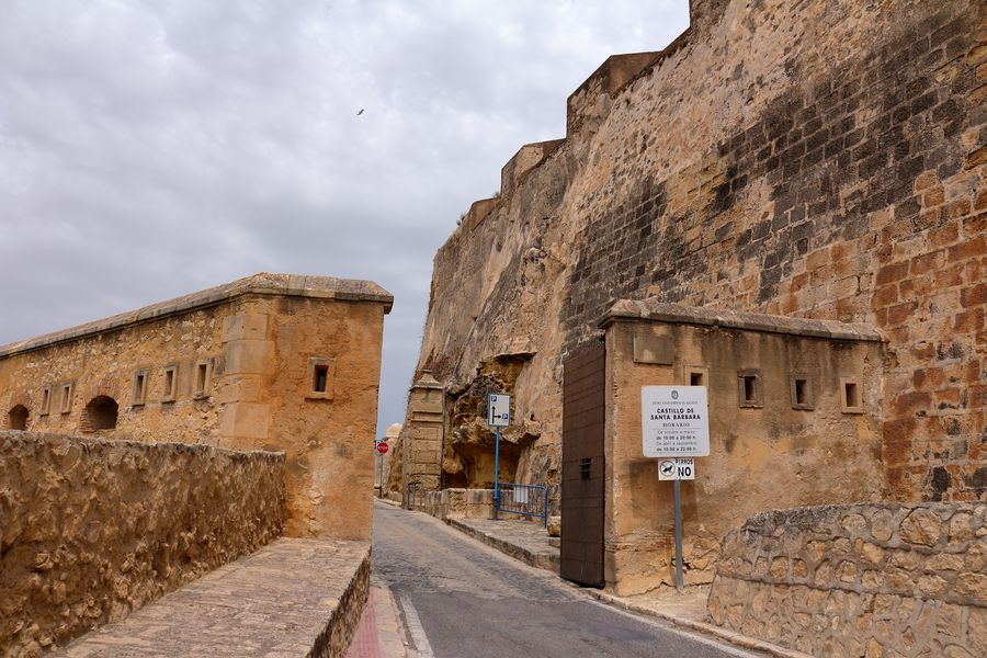 Аликанте, дорога к крепости Санта-Барбара