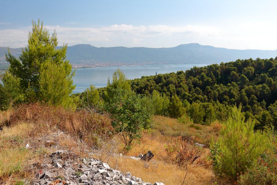 Пешая прогулка из Слатине в Округ Горный