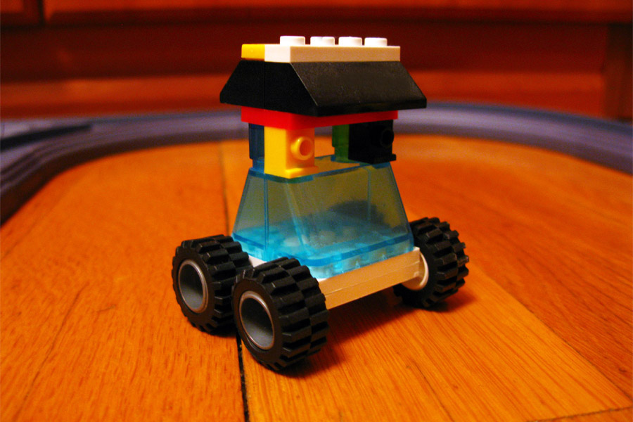 Машинка из Brick