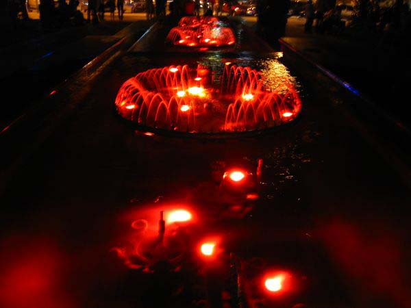 Калуга, фонтаны возле театра