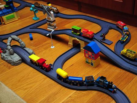 Совместимость Томасов-малышей с  другими парвозиками