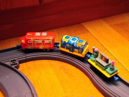 Уилсон и вагончики с краской