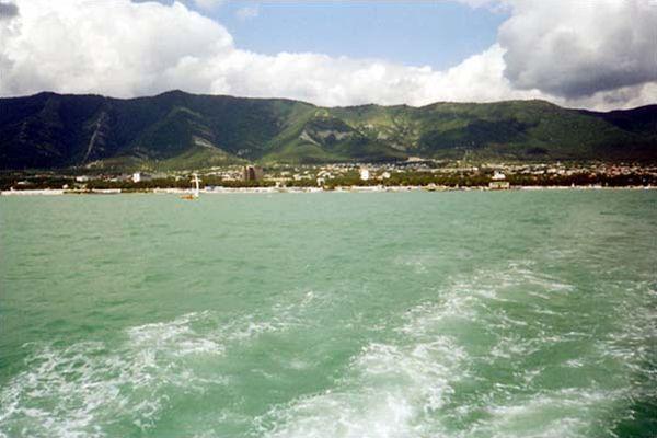 Геленджик, прогулка по бухте на катере «Саламандра»