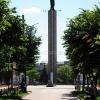 Калуга, стелла на площади Победы