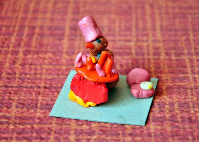 Снеговик с тортиком