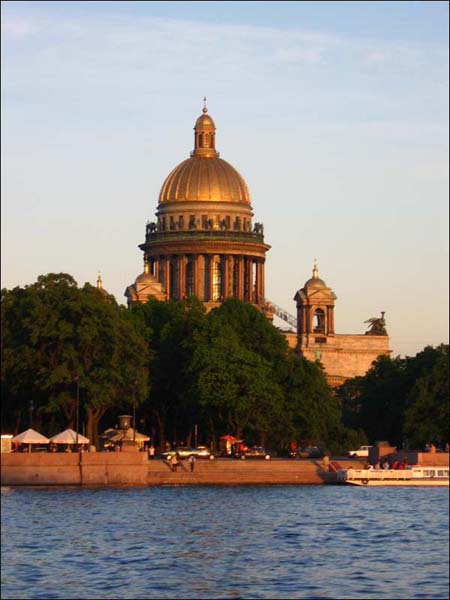 Экскурсия по каналам Санкт-Петербурга - вид на Исаакиевский собор