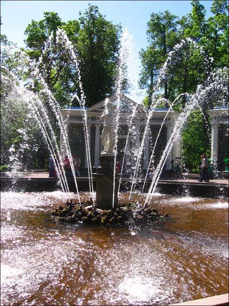 Петергоф - Нижний парк, фонтан \