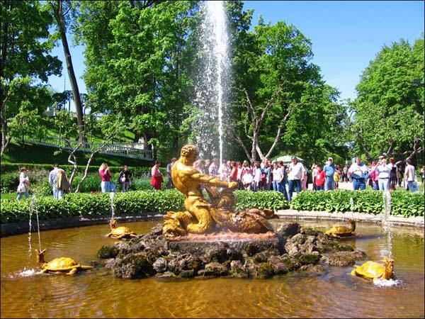Петергоф - Нижний парк, Оранжерейный сад, фонтан \