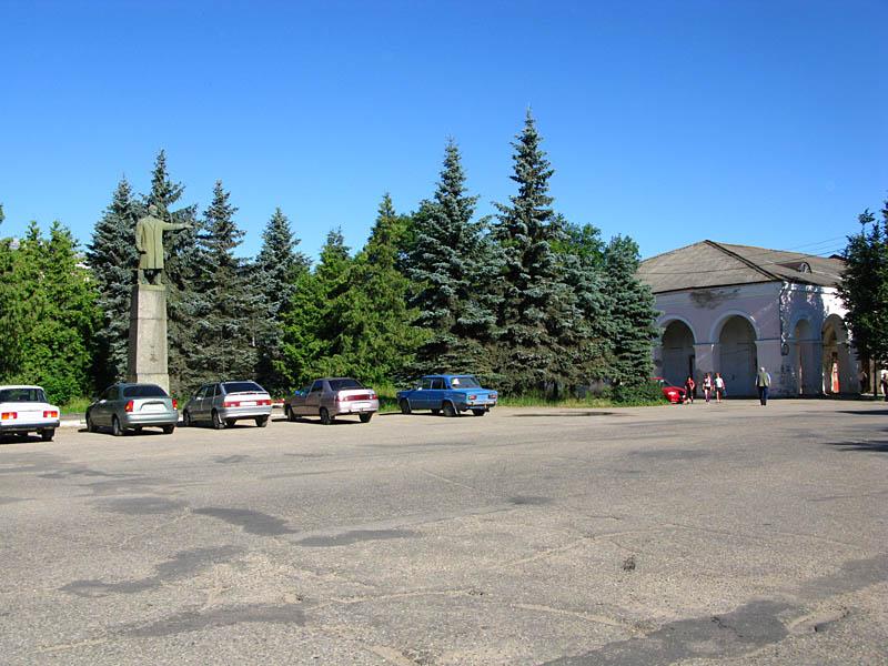 Вышний Волочек, площадь перед администрацией