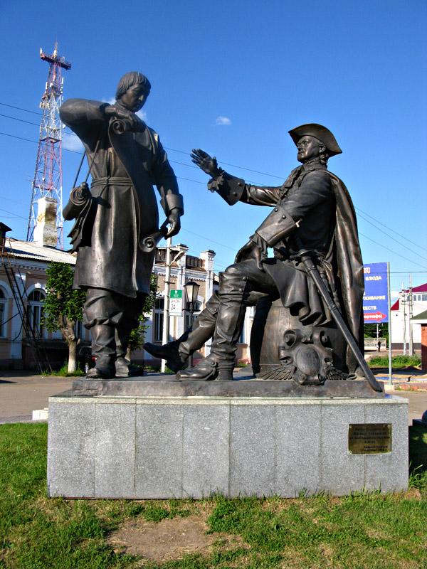 Скульптурная композиция «Петр Великий и Михаил Сердюков»